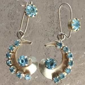 VTG Gold Tone Glass Aquamarine Blue Topaz Earrings
